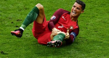 Cristiano Ronaldo vows to return stronger from Euro 2016 final injury
