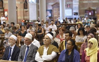 Photos: Muslims protest against ISIS by attending Sunday Mass