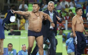 Rio 2016: Mongolian wrestling coaches banned after protest