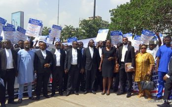Protesting lawyers shut down parts of Abuja, want SSS to obey Court orders