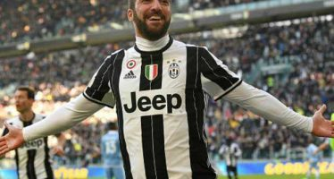 Red-hot Higuain becomes first Juventus player to score five in a row for over 11 years