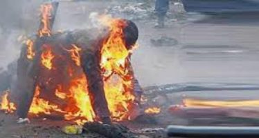 Middle age man burnt to dead for snatching phone in Cross River